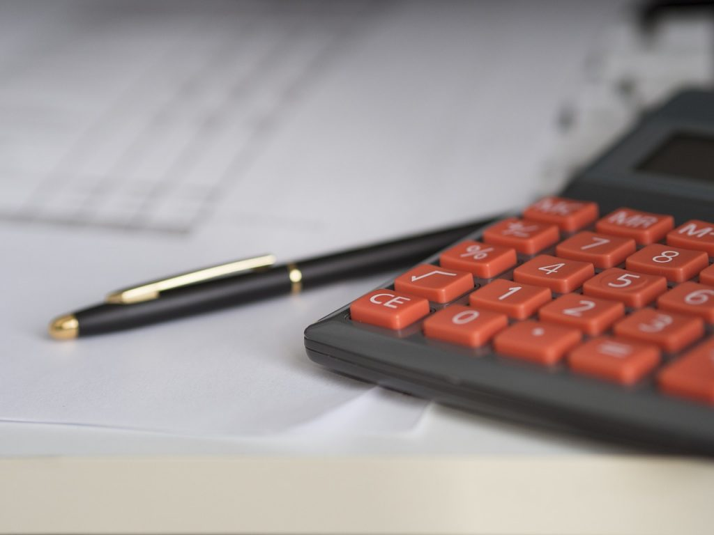 une calculatrice pour déterminer le solde de tout compte